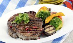Grilovaný hovězí steak se zeleninou