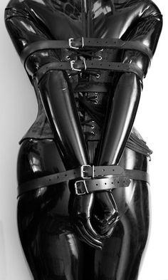 Shiny, shiny! Latex BDSM