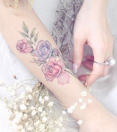 Mini Lau flower tattoo