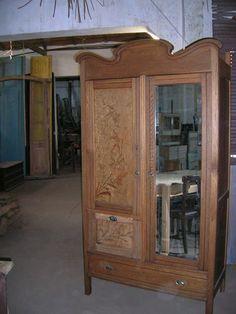 Ropero Art Nouveau en Roble