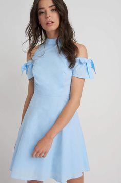 Sukienka z odkrytymi ramionami Cold Shoulder Dress, Dresses, Fashion, Romanticism, Vestidos, Moda, Fashion Styles, Dress, Fashion Illustrations