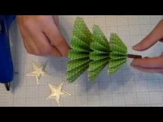 How to make a Rosette Christmas Tree Video Tutorial. - Do you want to know how to make a Rosette Christmas Tree? Marisa Alvarez will walk you through the process in this paper crafting video tutorial. Small Christmas Trees, Christmas Tree Crafts, Christmas Paper, Christmas Projects, Handmade Christmas, Holiday Crafts, Christmas Ornaments, Homemade Christmas Tree, Christmas Movies