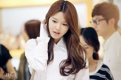 OMONA THEY DIDN'T! Endless charms, endless possibilities ♥ - Sooyoung at Double M Fansign. Flawless and perfect as usual.