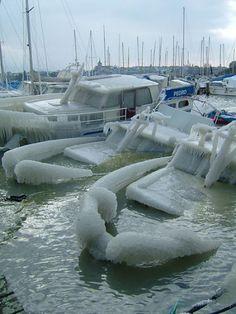 Barcos hundidos por hielo. ¿Con qué frecuencia ocurre esto, Suiza