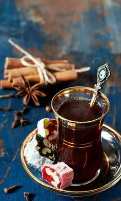 gyclli:/te turco/ Turkish tea and delights / Yulia Kotina Coffee Break, Coffee Time, Tea Time, Coffee Coffee, Chocolate Cafe, Tea Culture, Turkish Coffee, Turkish Recipes, My Tea
