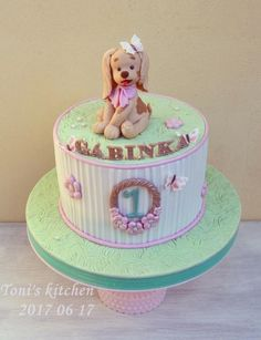 Cute puppy :) by Toni's cakes Puppy Birthday Cakes, Dog Birthday, Birthday Cake Toppers, Puppy Dog Cakes, Dog Themed Parties, Puppy Party, Pastry Cake, Gum Paste, Clay Crafts