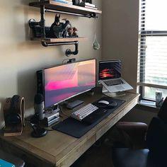 DIY Computer Desk Ideas Fascinating gaming desk led strip to refresh your home Setup Desk, Computer Desk Setup, Workspace Desk, Gaming Room Setup, Home Office Setup, Home Office Design, House Design, Gaming Desk, Gaming Furniture
