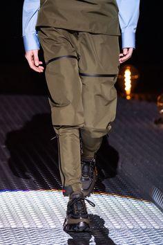 Prada Fall 2019 Ready-to-Wear Fashion Show - Vogue Skate Style, Miuccia Prada, Armani Prive, Leather Harness, Stylish Outfits, Stylish Clothes, Womens Flats, Fashion Details