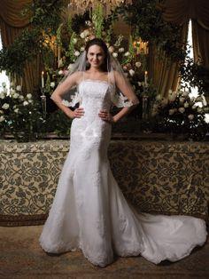 Strapless natural waist tulle wedding dress