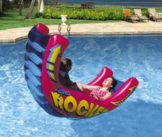 Fun pool inflatables - huge selection of giant pool floats, pizza floats and animal floats. Funny pool floats for kids and large, comfortable pool inflatables for adults. Cute Pool Floats, Inflatable Pool Toys, Diy Pool Toys, Swimming Pool Toys, Pool Games, Summer Pool, Pool Fun, Pool Accessories, Dream Pools