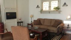 The shared sitting room at the Brookville Lodge