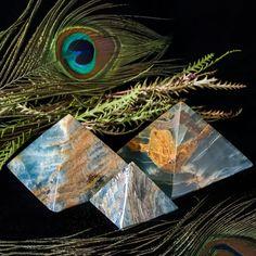 Blue Onyx Pyramids for ascension and Lemurian magic. #SageGoddess #Stones #Gemstones #Healing #Magic #Metaphysical #HappyHolidays #GiftGuide #Gifts #StockingStuffer
