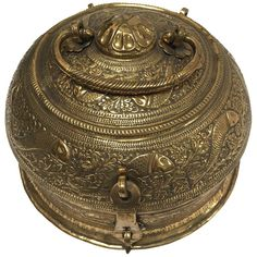 For Sale on - Beautiful hand-crafted decorative round bronze Anglo-Indian box with lid, latch and handle delicately and intricately hand-hammered with repousse floral Decorative Objects, Decorative Boxes, Tea Caddy, Antique Boxes, Vintage Tea, Vintage Kitchen, Fish Design, Art Furniture, Geometric Designs