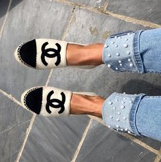 Source by ToniNeros shoes Fashion Moda, Fashion Shoes, Cute Shoes, Me Too Shoes, Shoe Boots, Shoes Heels, Mode Chic, Crazy Shoes, Woman Shoes