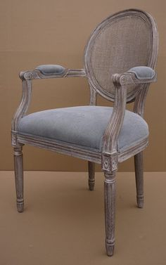 Furniture Makeover, Home Furniture, Furniture Design, Dining Chair Makeover, French Furniture, Classic Furniture, Dining Room Design, Dining Room Chairs, Painted Chairs
