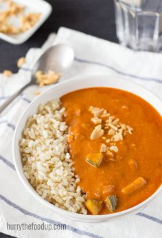 A mouth-watering Peanut Soup inspired by African cuisine. High in vitamin A, C, fiber and iron. And a great serving idea for my west African peanut soup Soup Recipes, Vegetarian Recipes, Cooking Recipes, Healthy Recipes, Vegan Vegetarian, Healthy Fats, Vegan Soups, Vegan Meals, Soups And Stews