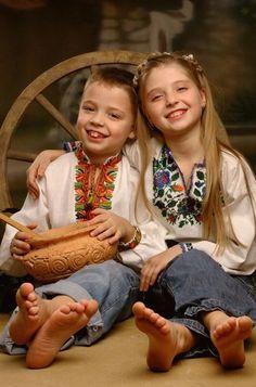 Ukrainian children. Українські діти. Украинские дети.