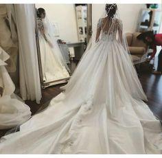 Item Type: Wedding Dresses Waistline: Natural is_customized: Yes Brand Name: Amanda Novias Dresses Length: Floor-Length Neckline: Scoop Silhouette: A-Line Sleeve Length: Full Wedding Dress Fabric: Sat