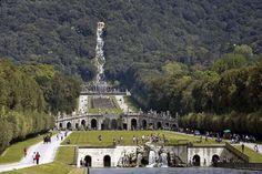 Parco: Vanvitelli ha creato un'illusione ottica fontana&cascata sembrano vicini, la distanza è + di 2km! #heritageMW