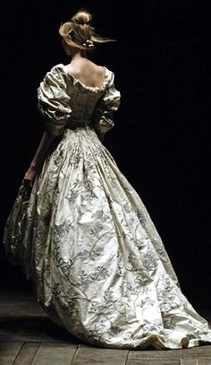 Dress - Alexander McQueen)