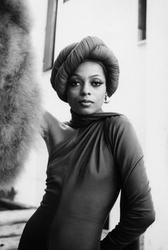 The 25 Movie Mistresses With Beauty Looks We Love - June Diana Ross in Mahogany, 1975 Photo: Photofest Diana Ross, Vintage Black Glamour, Vintage Beauty, Black Is Beautiful, Beautiful People, Lady Sings The Blues, Seventies Fashion, Hollywood Glamour, Vintage Hollywood