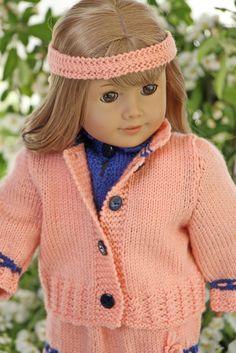 http://www.doll-knitting-patterns.com/0112D-strikk-klaer-til-dukken.html Design: Målfrid Gausel