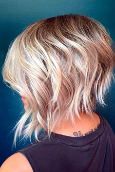 60 Short Shag Hairstyles That You Simply Can't Miss Blonde Shaggy Bob Shaggy Bob Hairstyles, Short Shag Hairstyles, Layered Hairstyles, Winter Hairstyles, Bob Haircuts, Funky Haircuts, Medium Hairstyles, Haircut Medium, Short Hairstyle