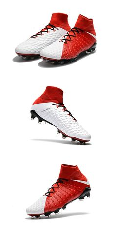 17378e6e3 The sole plate of the Nike Hypervenom Phantom III boots features a more  flexible material in the front (Pebax), whereas the rear is made of a  studier nylon.