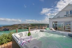 The Viewing Gallery is a luxury self-catering beach house with has breath-taking sea views over Portreath beach in Cornwall. Cornwall, Beach House, Trips, Luxury, Gallery, Outdoor Decor, Home Decor, Beach Homes, Viajes
