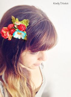 Vintage Flowers Comb Crown. Floral Headpiece. Boho by KandyDisenos, €15.00