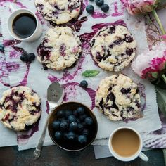 Blueberry scones are a super simple and tasty treat that you can make easy enough with frozen blueberries. Plus, berries are proven to be good for your memory, a good enough reason for us to tuck in. Cookies Healthy, Healthy Desserts, Kefir Benefits, Desserts Sains, Muffin, Blueberry Scones, Cream Tea, Ice Cream, Snacks