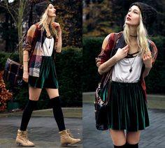 Eva V - Skirt, Top, Bag, Beanie, Blouse, Black Croptop, Bracelet, Piece Necklace - Lenient