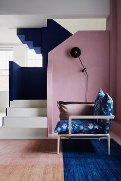 Block Colour Pink Blue Painted Stairs | Hallway Design Ideas (houseandgarden.co.uk)