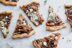 Gorgonzola Fig Flatbread with Prosciutto - daniellewalker.com Fig Recipes, Pizza Recipes, Paleo Recipes, Fig Flatbread, Flatbread Recipes, Vegan Gluten Free, Dairy Free, Sweet And Salty, Prosciutto