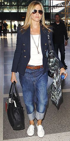 Jennifer Aniston #boyfriend #jeans