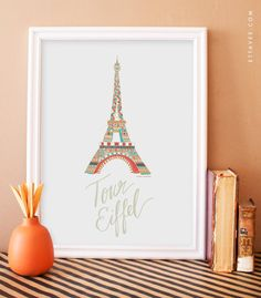 Eiffel Tower Illustration No.3  A propos// *Toutes les affiches sont vendus sans cadre.  Dimensions //  Sélectionnez la dimension désiré en haut à