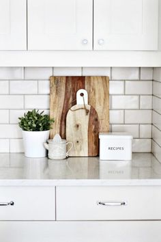 Kitchen vignette on The Life Creative rustic breadboard and recipes tin Kitchen Staging, Kitchen Countertop Decor, Home Staging, Kitchen Furniture, Kitchen Decor, Kitchen Ideas, Furniture Nyc, Luxury Furniture, Furniture Ideas