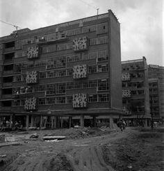 icaronycteris: Mario Pani y Salvador Ortega [con murales de Carlos Mérida]: Centro Urbano Presidente Juárez, Roma Sur, México D.F., 1952 [parcialmente destruido] via SINAFO View this on the map