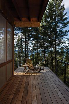 Cozy cabin retreat on Flathead Lake