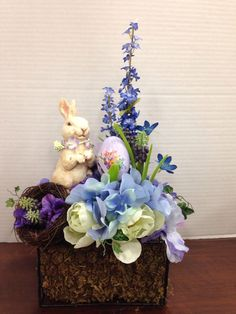 Easter Arrangement, so pretty!