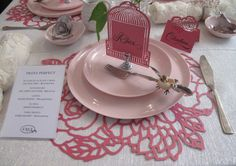 With laser cut being so popular for wedding, this placemat is a nice way to bring that to the table