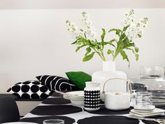 Marimekko Kivet White / Black Tablecloth Maija Isola's 1956 Kivet (Stones) pattern is set in it's classic black and white colorway atop a linen cloth. Perfect for use as a table linen but also suitable as a decorative bedding or wall tap. Marimekko, Black Tablecloth, Interior Decorating, Interior Design, Minimalist Interior, Rustic Feel, Scandinavian Design, Scandinavian Living, Home