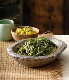 Australian Gourmet Traveller recipe for snake bean curry by Peter Kuruvita from Flying Fish restaurant.