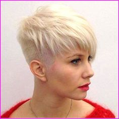 15 Ways to Rock a Pixie Cut with Fine Hair: Easy Short Hairstyles . Looking for the new ways to wear pixie cut? Here are the images of 15 Tousled Pixie Cut that we have gathered for you! We all now that messy and to. Short Hairstyles For Thick Hair, Haircuts For Fine Hair, Short Hair Styles Easy, Short Pixie Haircuts, Short Hair Cuts, Pixie Cuts, Hairstyle Short, Wedding Hairstyle, Amazing Hairstyles