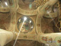 Рисунок 2. Соборный Успенский храм, интерьер (фото 2006 г.)