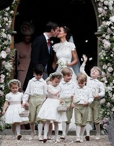 Pippa Middleton Is Married - See Her Wedding Photos Here!: Photo Pippa Middleton is officially a married woman after tying the knot with hedge fund manager James Matthews! The socialite and younger sister of the… Kate Middleton, Pippa Middleton Wedding Dress, Middleton Family, Pippas Wedding, Wedding Gowns, Wedding Ceremony, Wedding Flowers, Wedding Outfits, Wedding Season