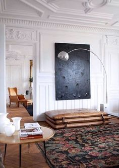 Modern and elegant interior design in the living room by Luis Laplace. Home Interior Design, Interior Architecture, Interior And Exterior, Interior Decorating, Modern Interior, Windows Architecture, Traditional Interior, Interior Styling, Decorating Ideas