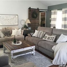 40 Best Farmhouse Living Room Furniture 13 This Country Chic Living Room is Everything Rachel 4 Design Living Room, Chic Living Room, Cozy Living Rooms, Home Living Room, Apartment Living, Rustic Apartment, Apartment Ideas, Living Area, Cozy Apartment