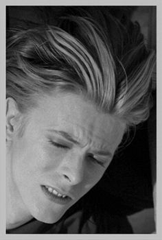 David Bowie during The Man Who Fell To Earth, David Bowie Starman, David Bowie Ziggy, Ziggy Stardust, Gainsbourg Birkin, David Bowie Pictures, Ziggy Played Guitar, The Thin White Duke, Punk, David Jones