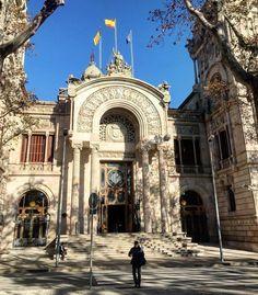 Entrada principal al Tribunal Supremo de Justicia de Cataluña